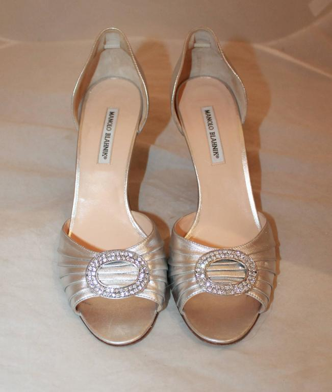Brown Manolo Blahnik Silver Metallic Leather Heels with Rhinestone Buckle - 41.5 For Sale