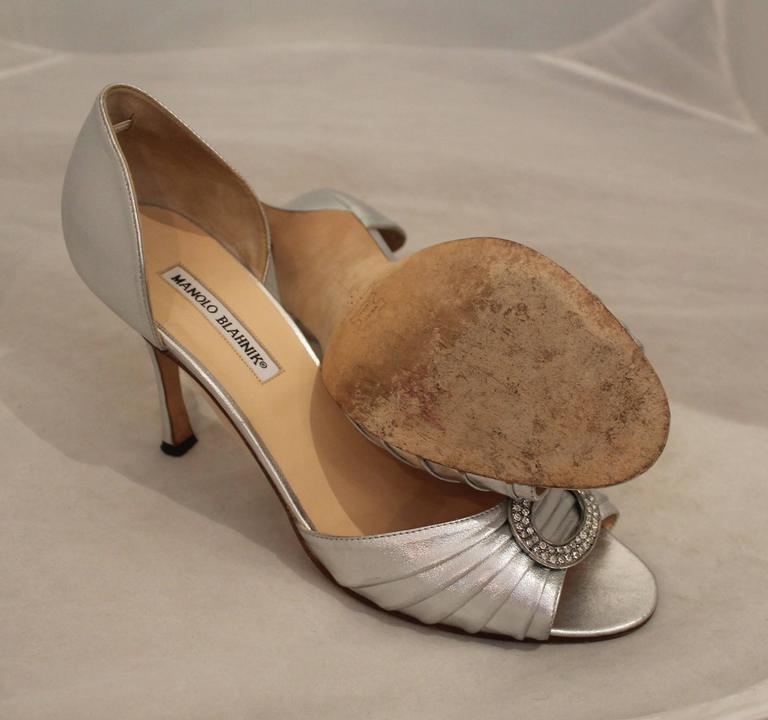 Manolo Blahnik Silver Metallic Leather Heels with Rhinestone Buckle - 41.5 For Sale 1