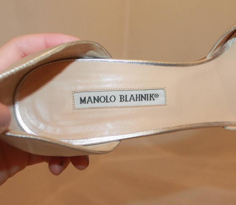 Manolo Blahnik Silver Metallic Leather Heels with Rhinestone Buckle - 41.5 For Sale 2