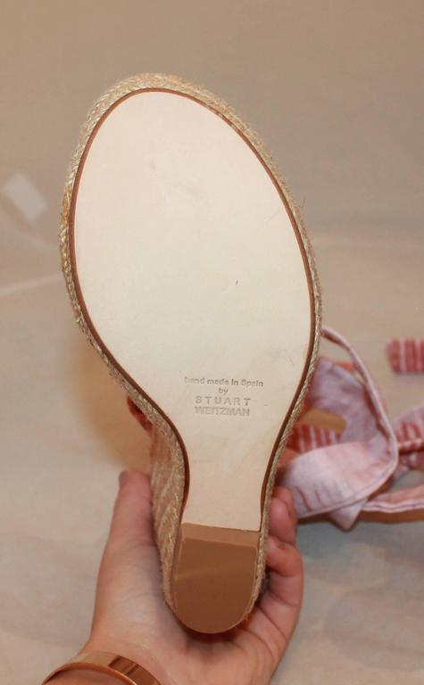 Women's Stuart Weitzman Coral and Pink Canvas Printed Espadrille Tie-Up Wedges - 6.5 For Sale
