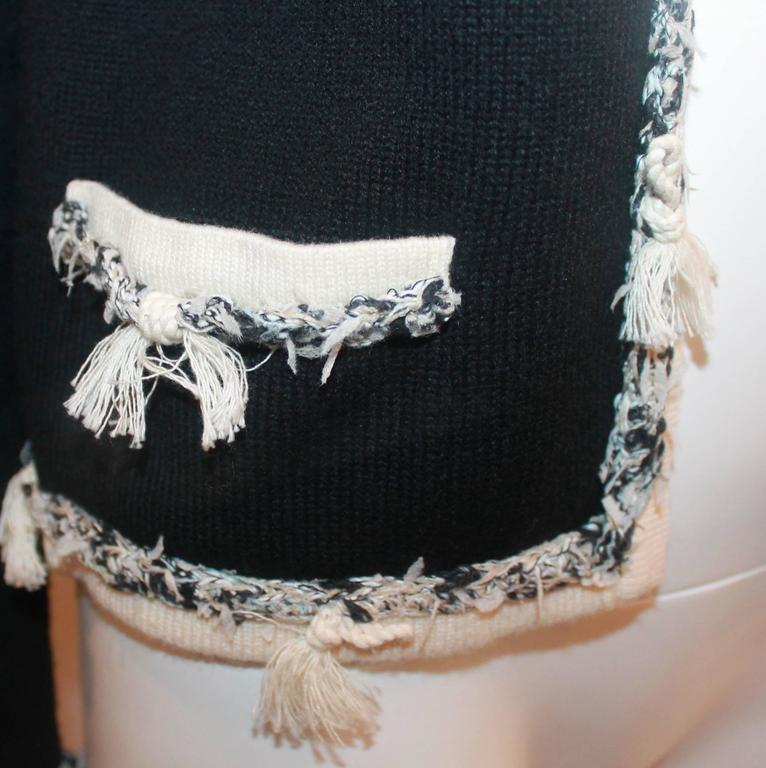 Chanel Black Cashmere Cardigan with Ivory Tweed Trim - 38 For Sale 1