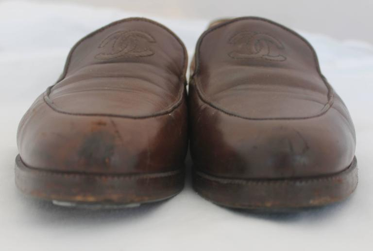 "Chanel Brown Leather Loafers with Stitched ""CC"" - 37 4"