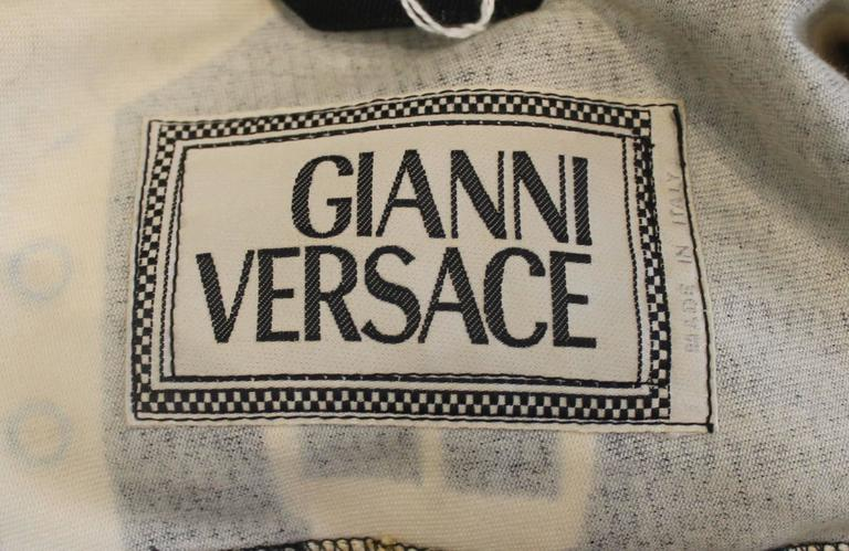 Versace Vintage Black/White/Gold Cotton Blend Studded Belt Print Jacket - 48 For Sale 2