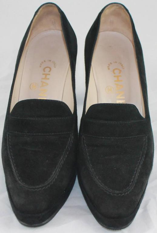 Women's Chanel Black Suede Loafer Style Pumps - 36.5 For Sale