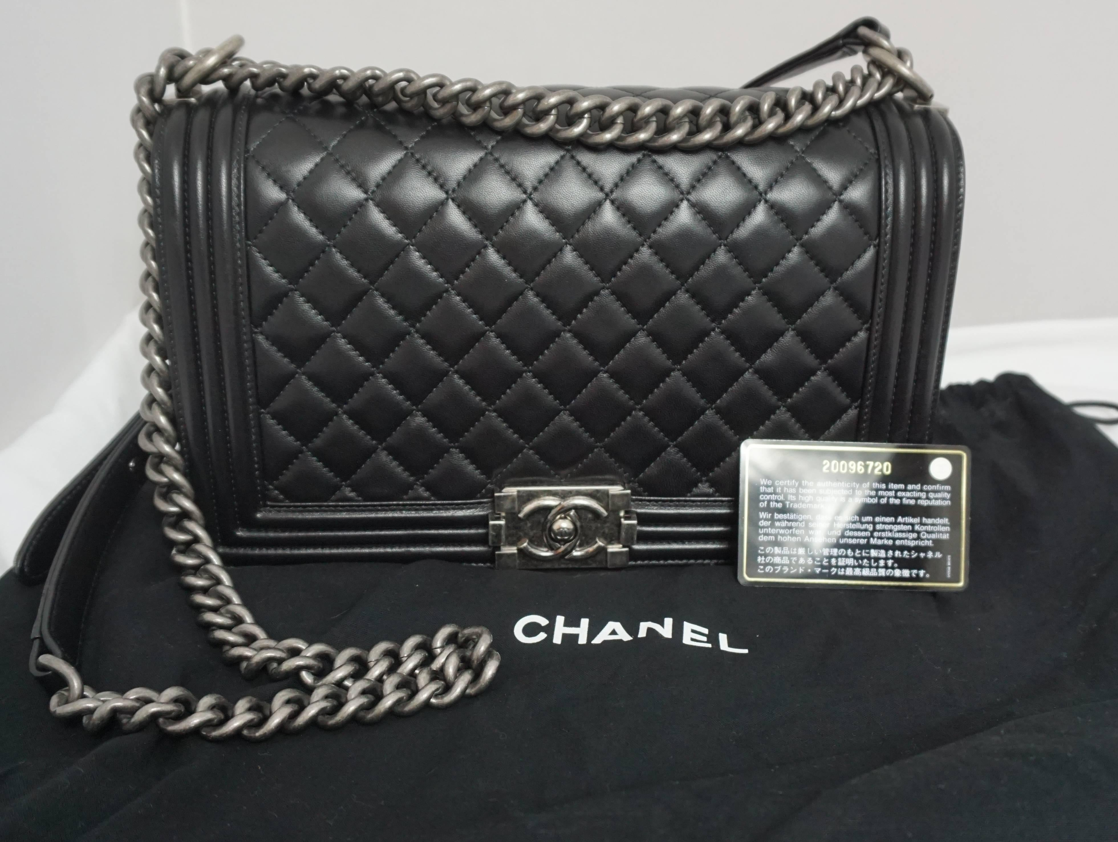 4ff2e69b291d Chanel Black Quilted Lambskin New Medium Boy Bag - PHW- Circa 2014 at  1stdibs