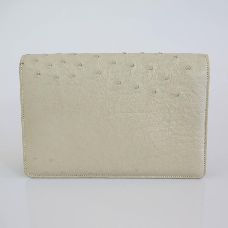 Brown Gucci Bone Ostrich Envelope Clutch with Gold Clasp - 1950's For Sale