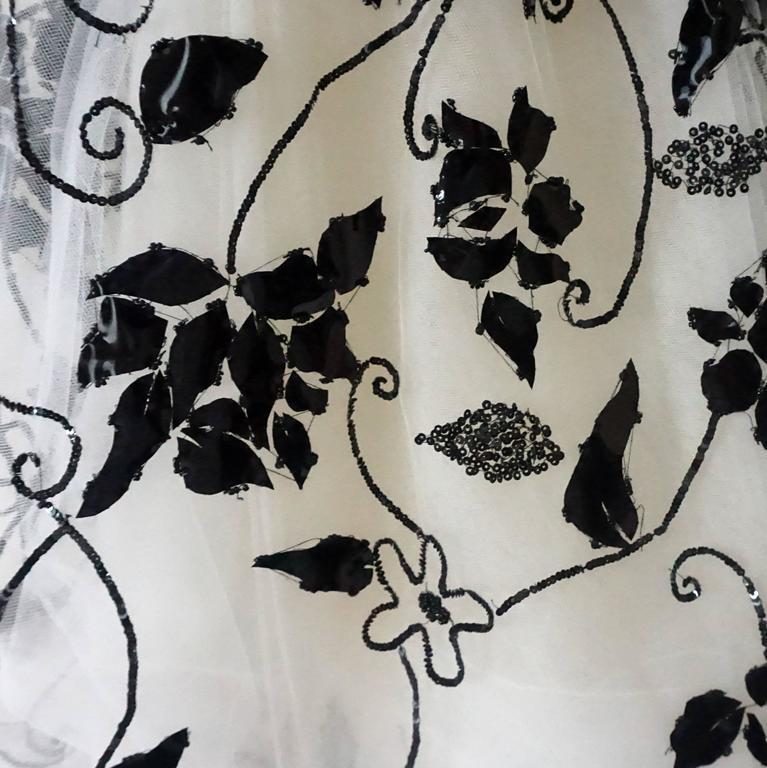 Oscar de la Renta Ivory Tulle Ball Gown w/ black sequin & patent detail-10 7