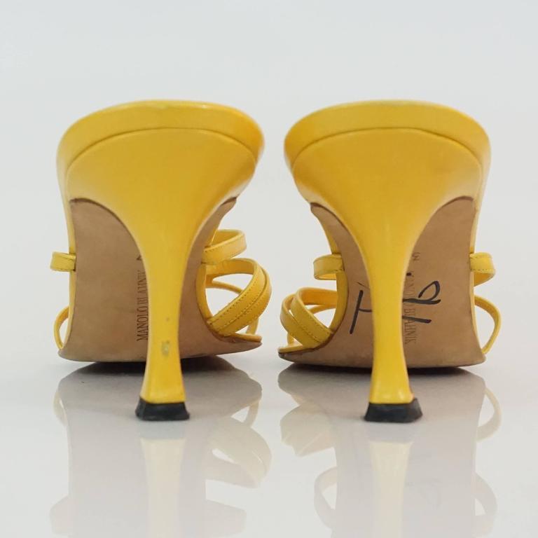 Women's Manolo Blahnik Yellow Leather strappy sandal - 37 For Sale