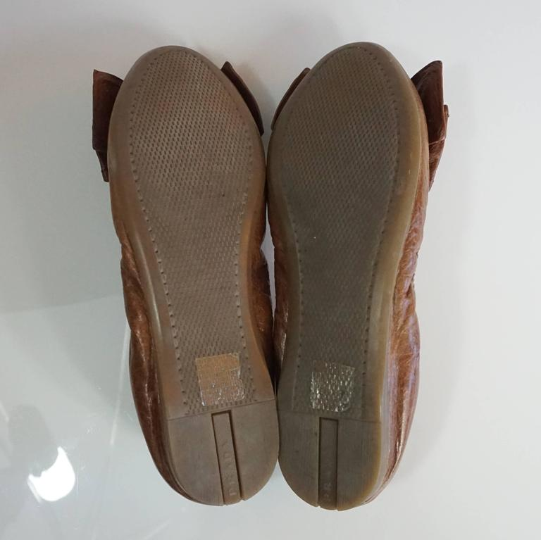 Prada Brown Leather Scrunch Ballet Flats with Bow - 35 For Sale 1