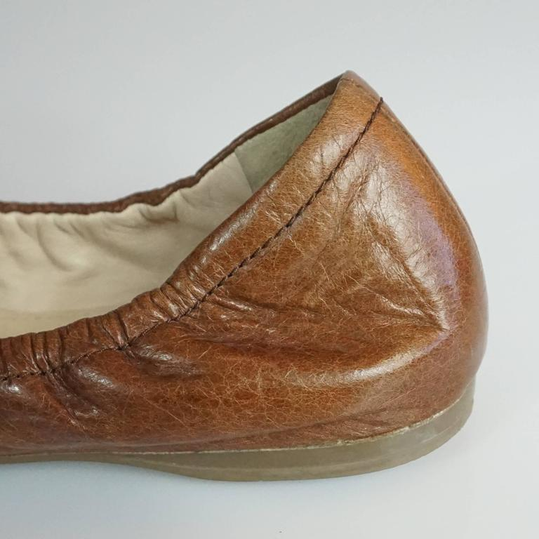 Prada Brown Leather Scrunch Ballet Flats with Bow - 35 For Sale 4
