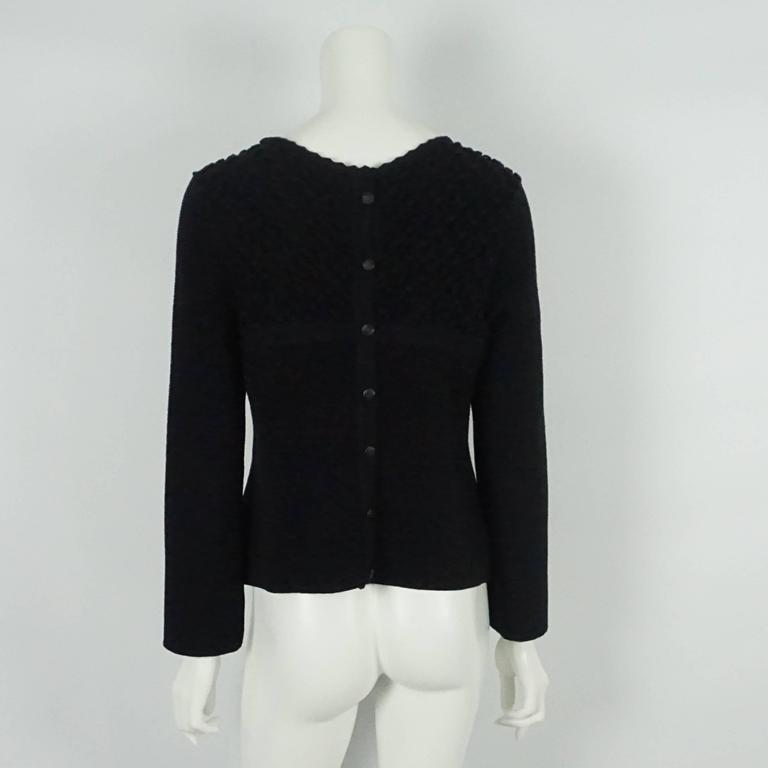 Chanel Black Wool Blend Ribbed Sweater Top - 40 In Excellent Condition For Sale In Palm Beach, FL