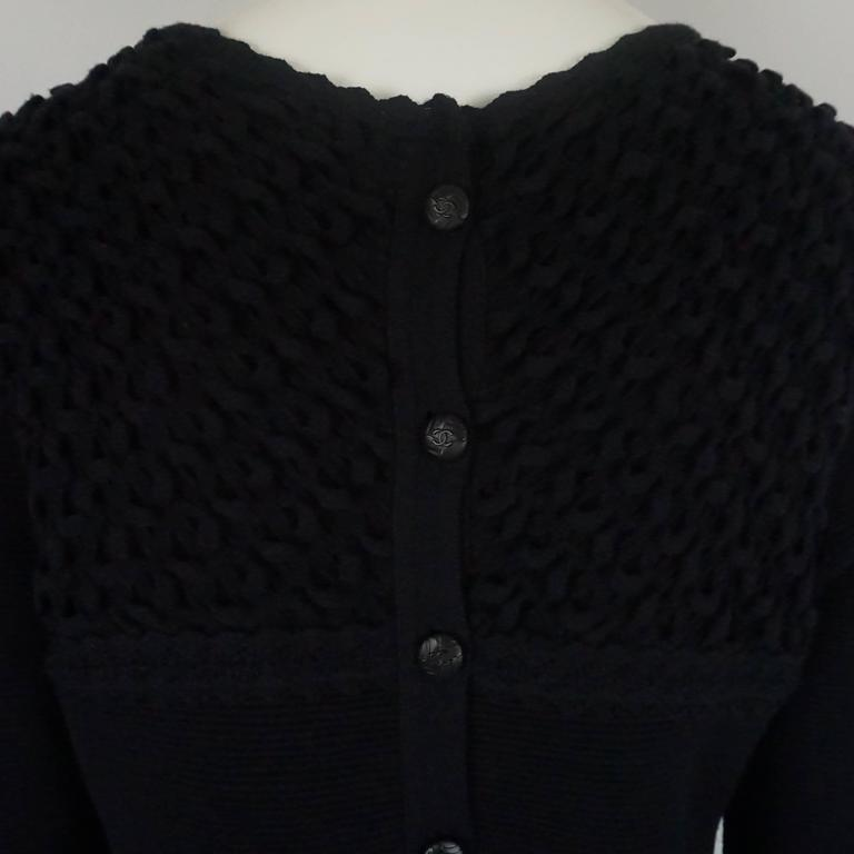 Women's Chanel Black Wool Blend Ribbed Sweater Top - 40 For Sale