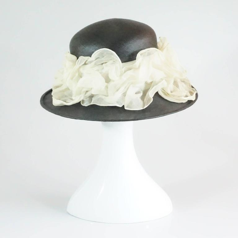 White Suzanne Couture Millinery Black French Straw Hat w/ Ivory Silk Ruched Ribbon For Sale