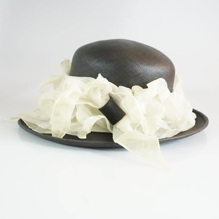 Suzanne Couture Millinery Black French Straw Hat w/ Ivory Silk Ruched Ribbon For Sale 2