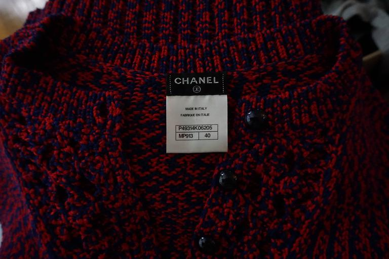 Chanel Blue and Red Cotton Knit Crochet Sweater - 40 For Sale 2