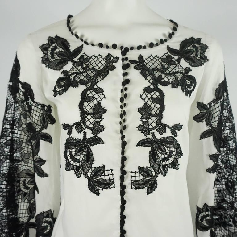 Oscar de la Renta White Cotton Peasant Top with Black Lace Detail - 2 4