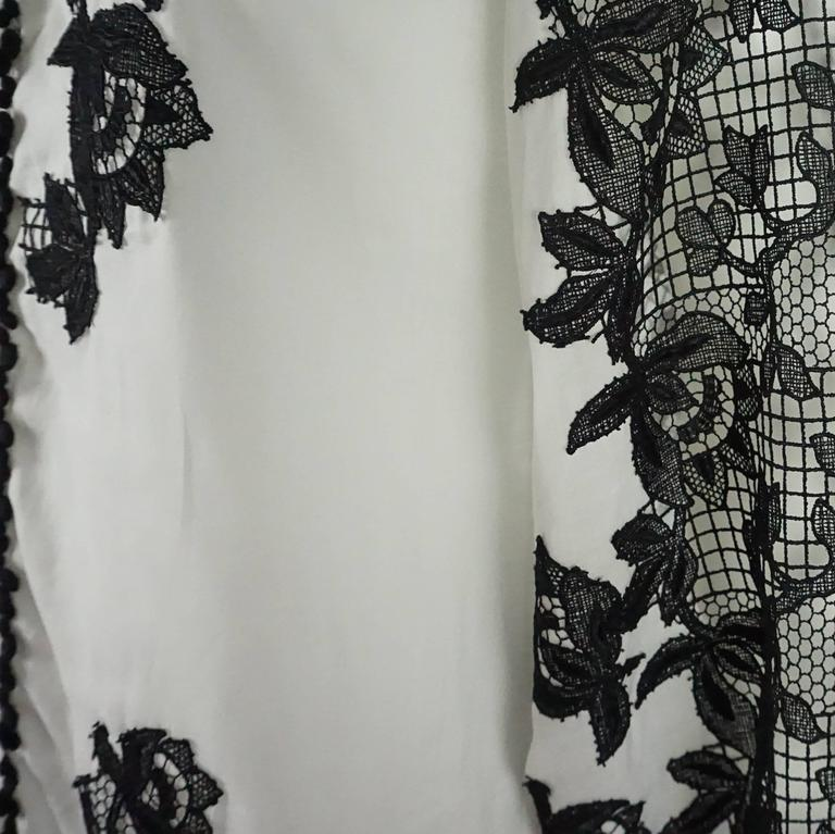 Oscar de la Renta White Cotton Peasant Top with Black Lace Detail - 2 6