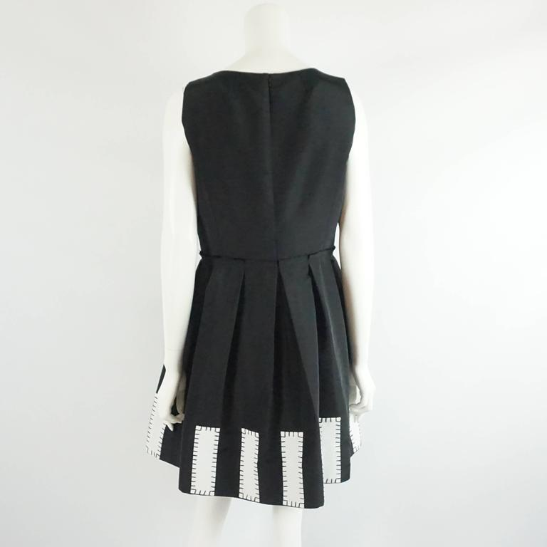 Oscar de la Renta Black Silk Sleeveless Dress with White Detail - 12 3