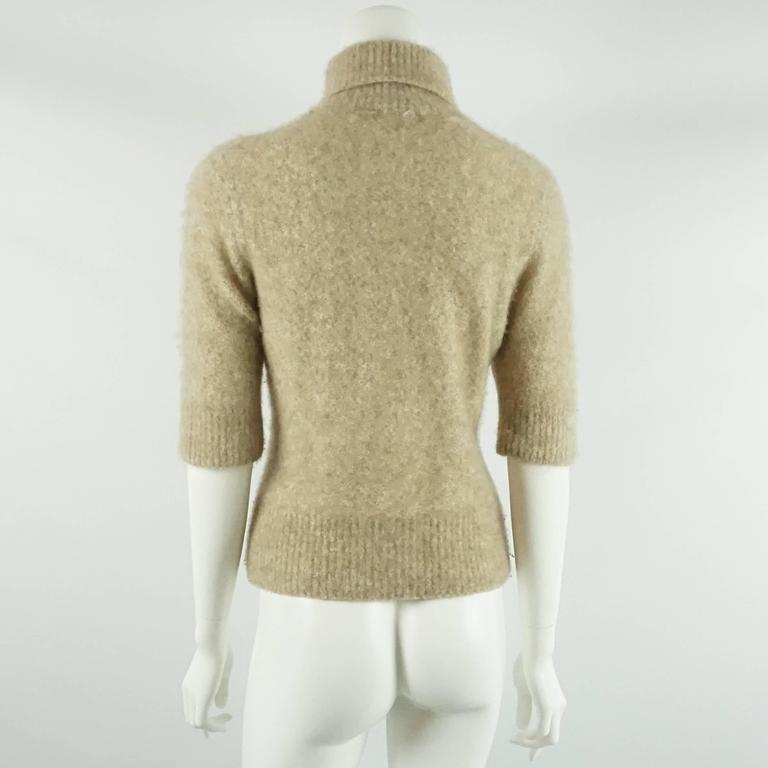 Loro Piana Beige Cashmere Turtleneck Sweater - 44 In Good Condition For Sale In Palm Beach, FL