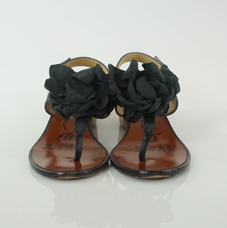 Lanvin Black Satin Sandals with Camellia - 37 In Good Condition For Sale In Palm Beach, FL