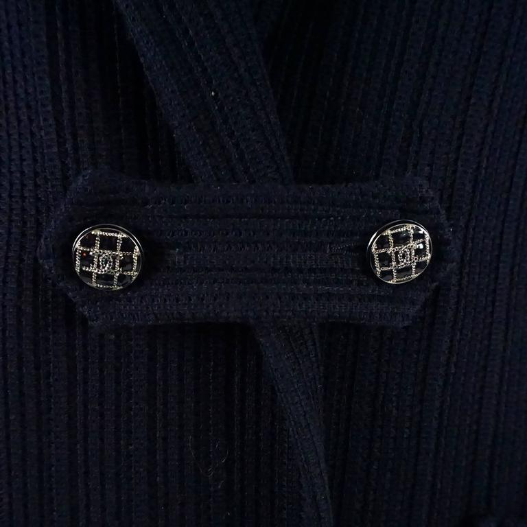 Chanel Navy Cotton Jacket with Enamel Buttons - 42 In Excellent Condition For Sale In Palm Beach, FL