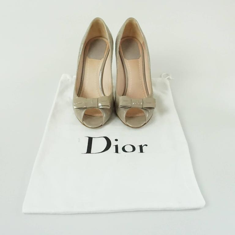 Christian Dior Taupe Patent Leather Peeptoe - 36.5 For Sale 2