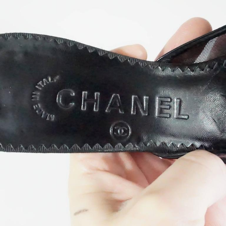 Chanel Black Mesh Slides with Leather Camellia – 36 For Sale 2