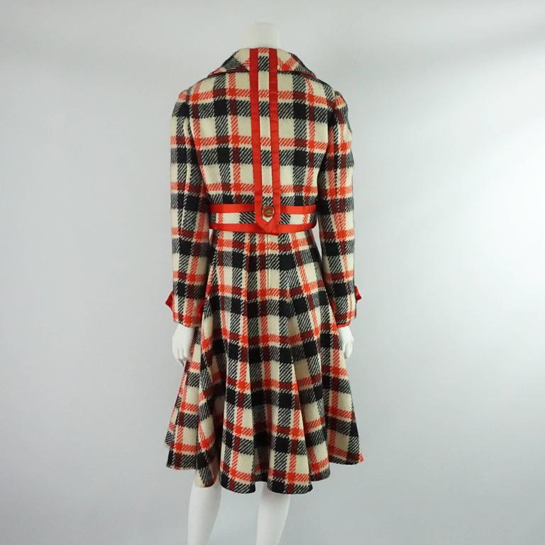 Ronald Amey Black, Ivory, and Red Plaid Wool Dress Set - 8 - 1970's  In Good Condition For Sale In Palm Beach, FL