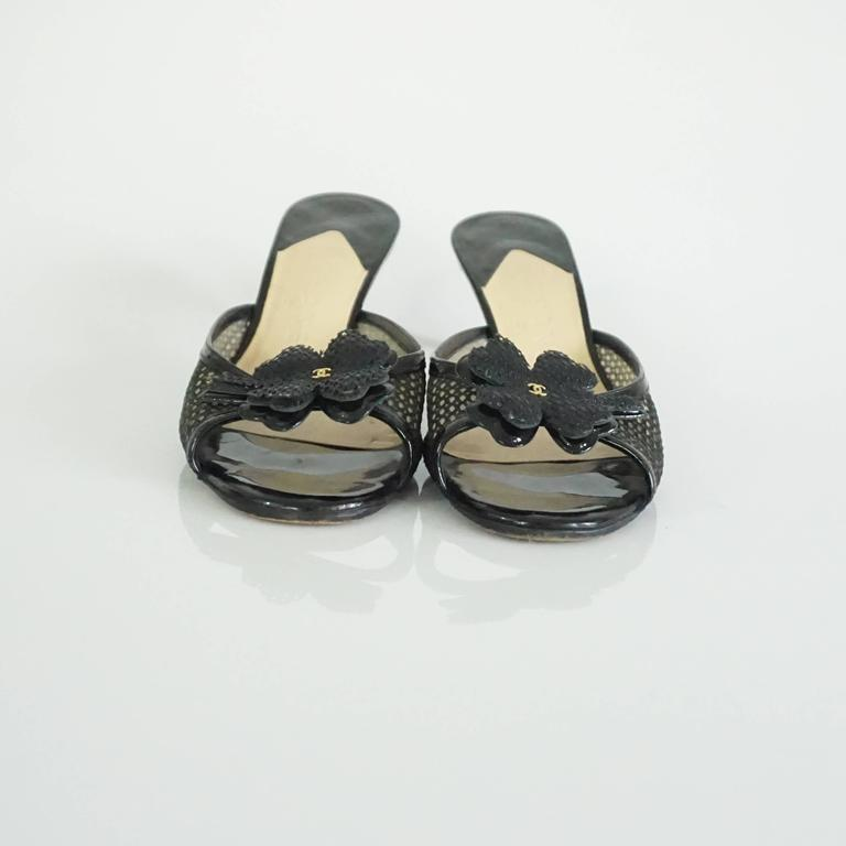 Chanel Black Mesh Clover Slides with CC - 38 In Excellent Condition For Sale In Palm Beach, FL