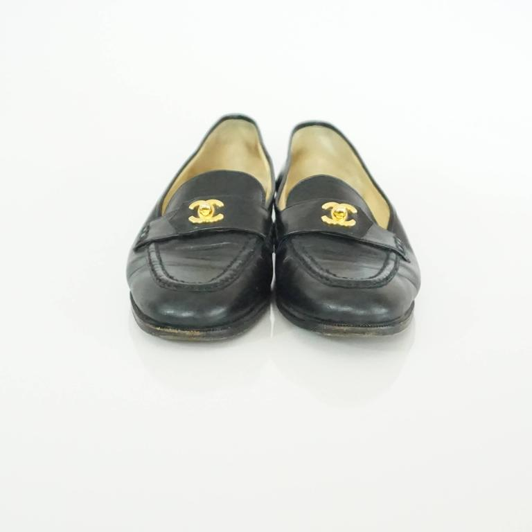 """Chanel Black Leather Loafers with """"CC"""" Turnkey Detail - 40 3"""