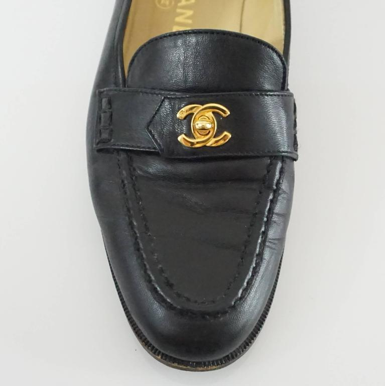 """Chanel Black Leather Loafers with """"CC"""" Turnkey Detail - 40 6"""