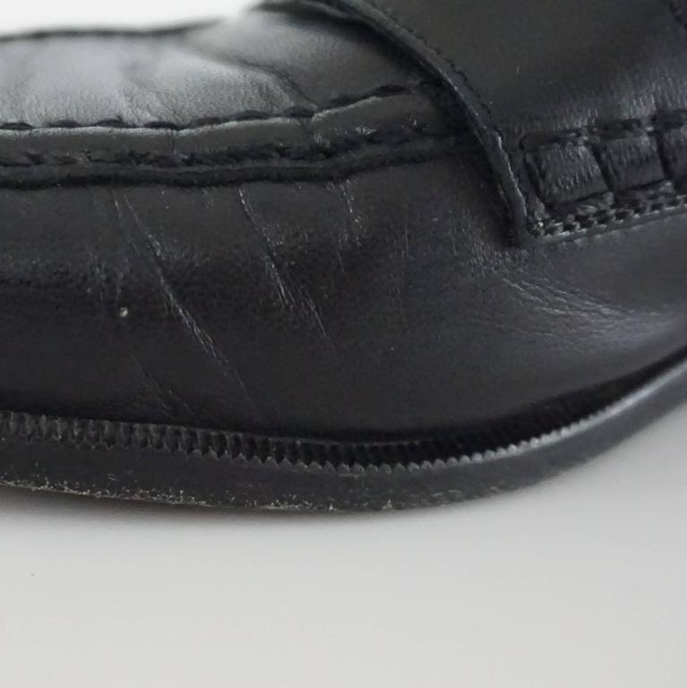 """Chanel Black Leather Loafers with """"CC"""" Turnkey Detail - 40 8"""