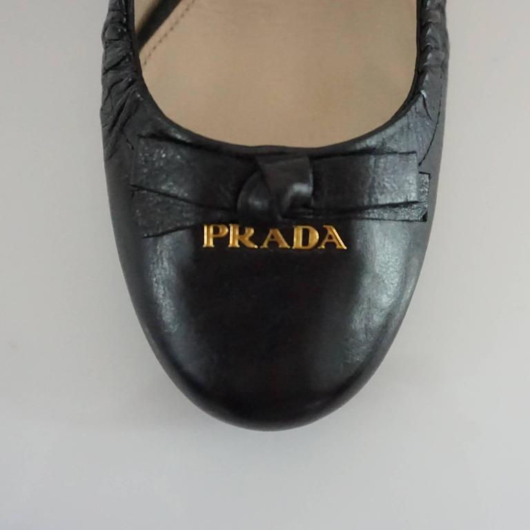 Prada Black Leather Pumps with Block Heels - 39.5 For Sale 1