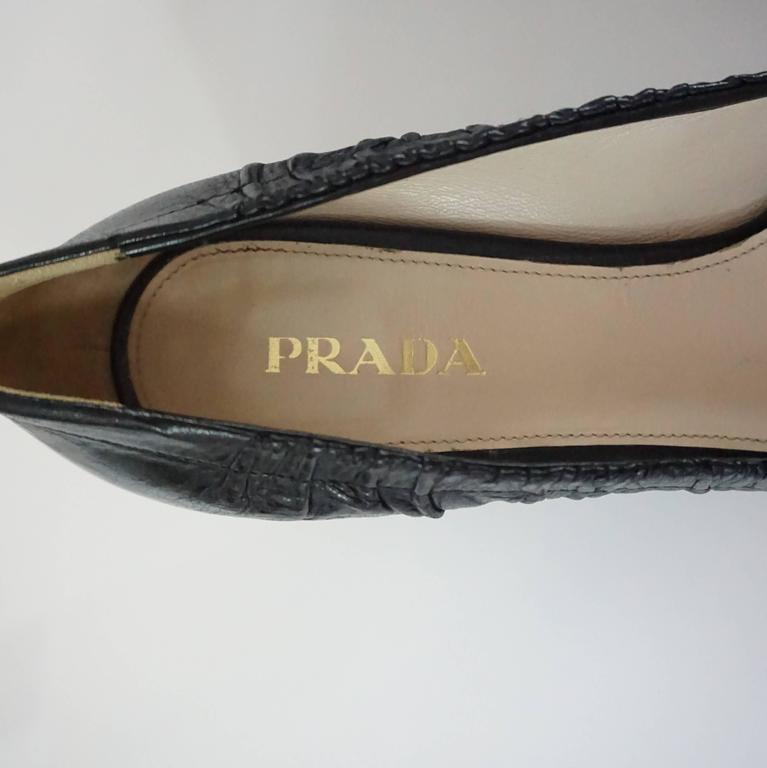 Prada Black Leather Pumps with Block Heels - 39.5 For Sale 2