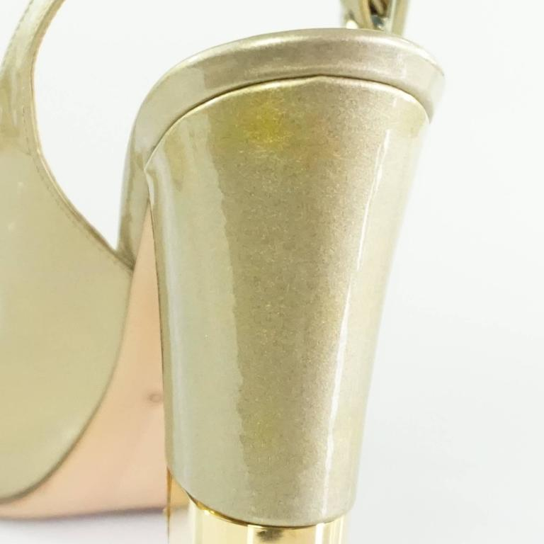 Valentino Gold Patent Slingbacks with Bow and Chunky Heel - 36.5  For Sale 3