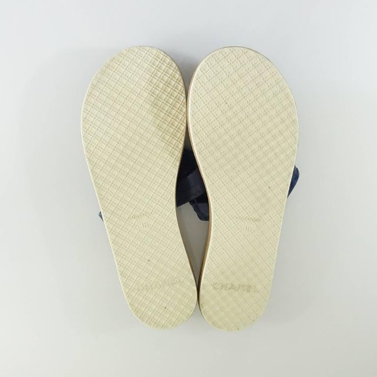 Chanel Navy Rubber Thong Sandals - 38 For Sale 1