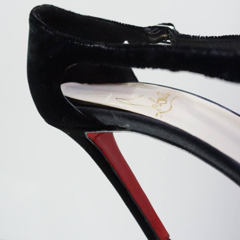 Christian Louboutin Black Velvet Sandals with Rhinestone Cluster - 36.5 For Sale 4