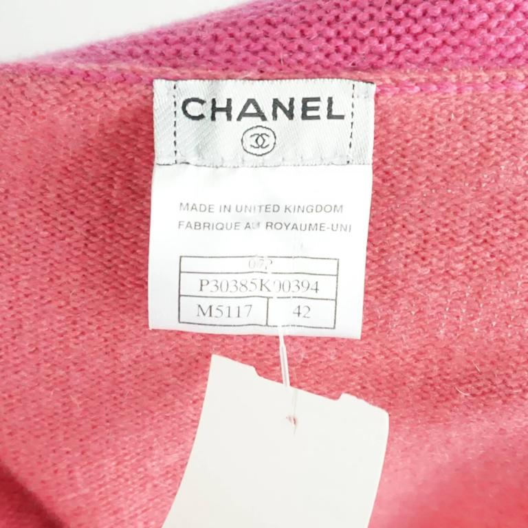 Chanel Salmon and Pink Trim Cashmere Sweater - 42 - 07P For Sale 2