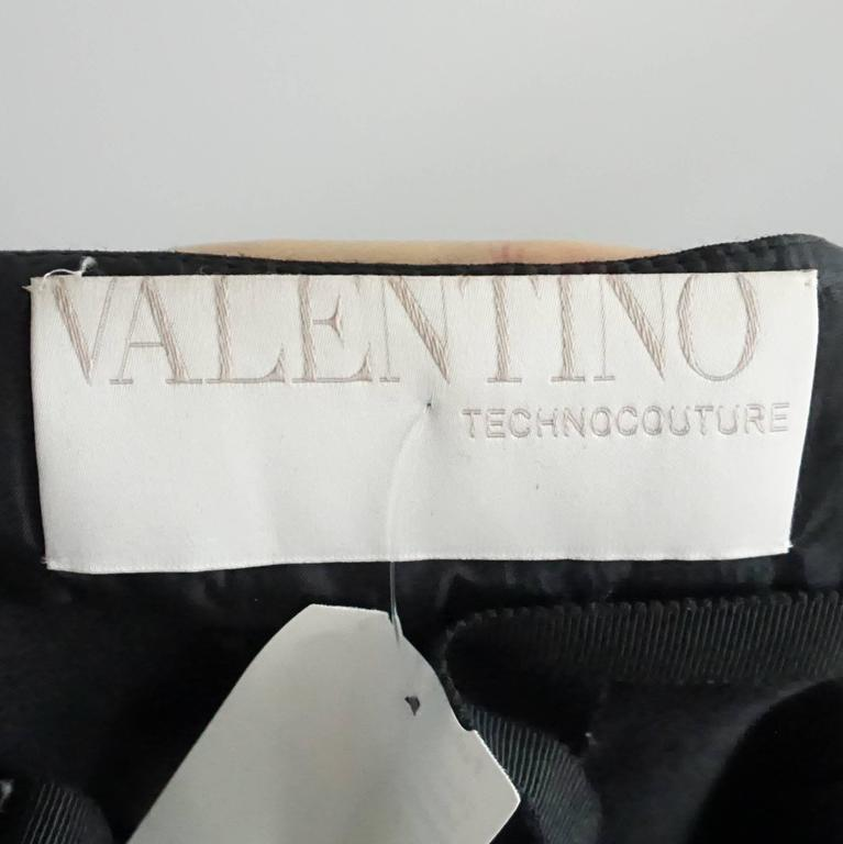 Valentino Black and Ivory Strapless Jumper with a Bow, Size 10 4