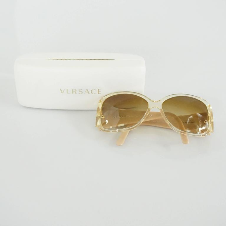 Versace Beige with White and Gold Bow Detailing Sunglasses For Sale 2