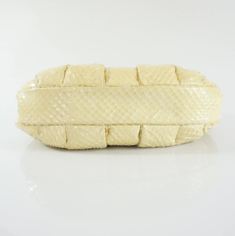 Judith Leiber Cream Snake Stone Evening Bag  In Good Condition For Sale In Palm Beach, FL