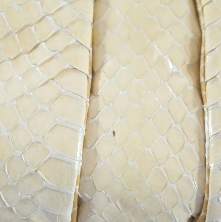 Judith Leiber Cream Snake Stone Evening Bag  For Sale 4