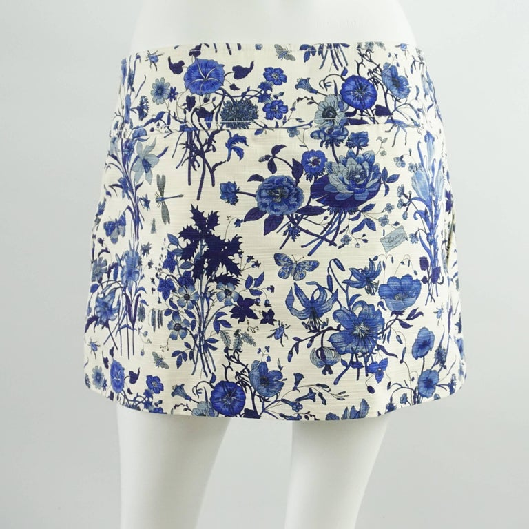 Gray Gucci Blue Floral Print Mini Skirt - 42 For Sale