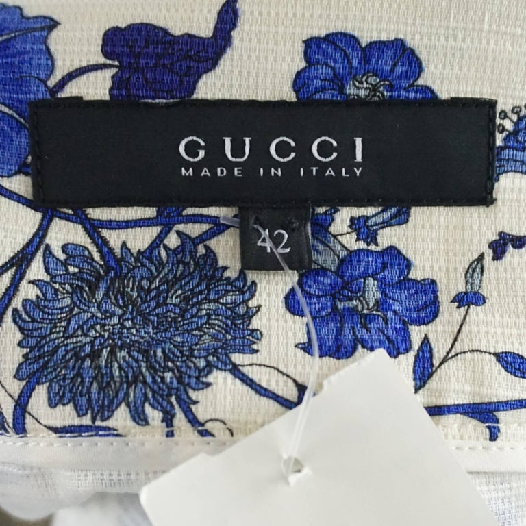 Gucci Blue Floral Print Mini Skirt - 42 In Excellent Condition For Sale In Palm Beach, FL
