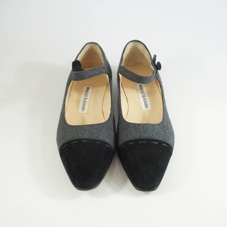 Manolo Blahnik Grey Wool and Black Suede Mary Jane Style Shoes-37.5 In Excellent Condition For Sale In Palm Beach, FL