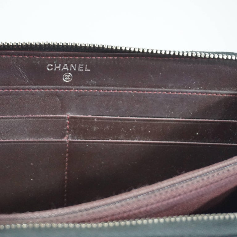Chanel Black Caviar Leather Zippy Wallet  For Sale 5