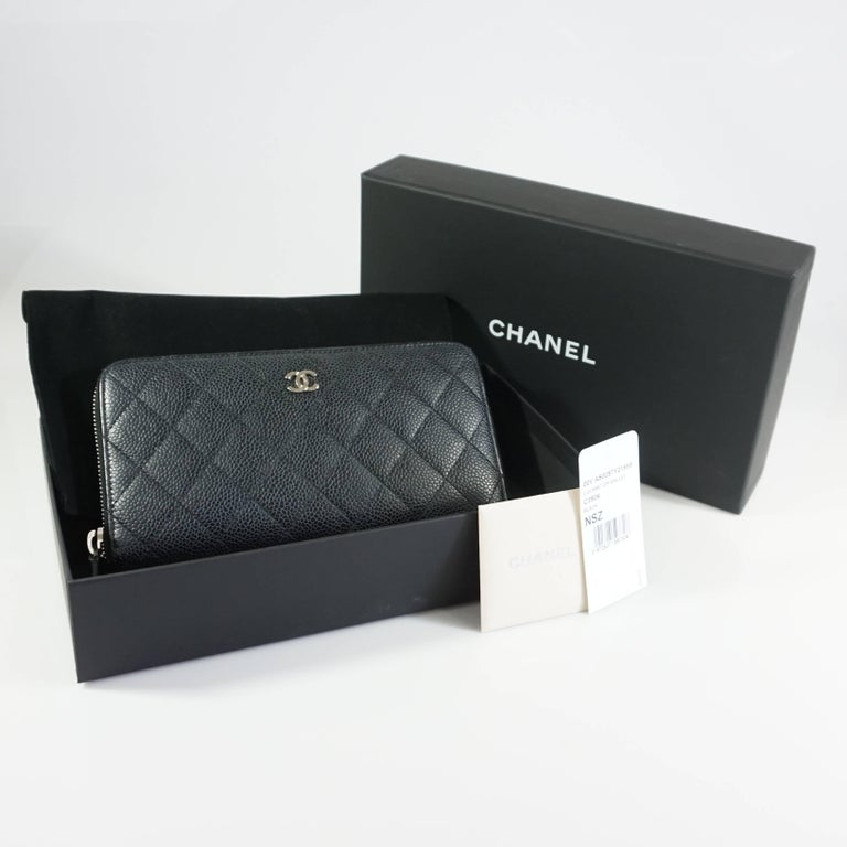 Chanel Black Caviar Leather Zippy Wallet  For Sale 2