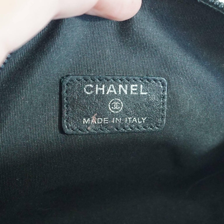 Chanel Black Caviar Leather Make-Up Case  For Sale 2