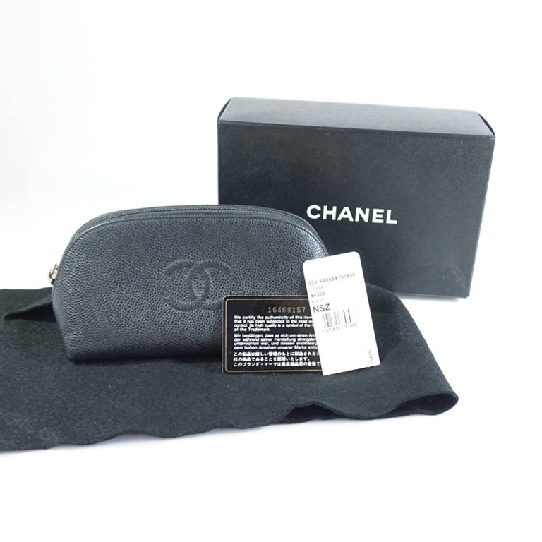 Chanel Black Caviar Leather Make-Up Case  For Sale 4
