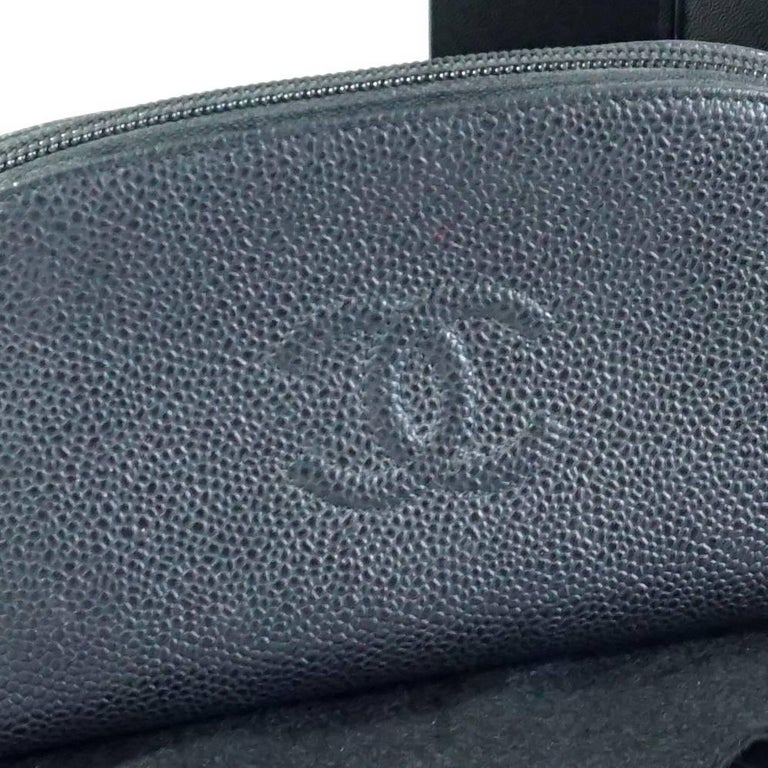 Chanel Black Caviar Leather Make-Up Case  For Sale 5